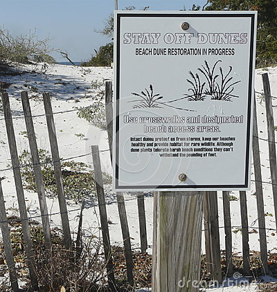 Free Florida Beach Dune Restoration Sign Royalty Free Stock Images - 73397999