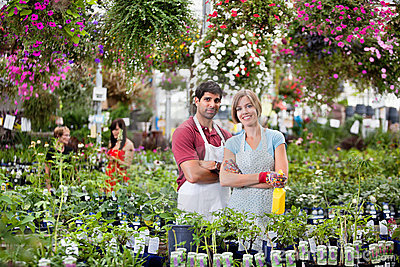 Floristas na estufa