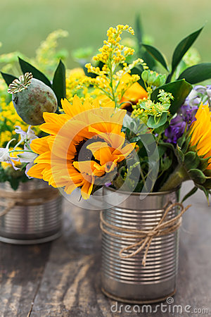Free Flower Arrangement Royalty Free Stock Image - 44692946