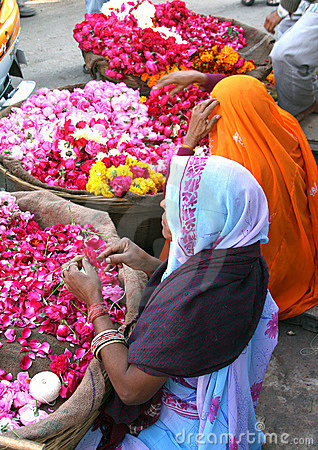 Free Flower Sellers In Pushkar, India Royalty Free Stock Photography - 5262177