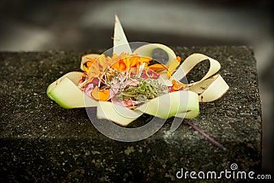 Flower woven bamboo