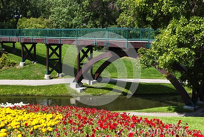 Flowered bridge