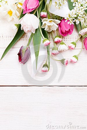 Free Flowers Composition. Frame Made Of White Flowers On White Background. Valentine&x27;s Day. Flat Lay, Top View. Stock Photo - 115213510