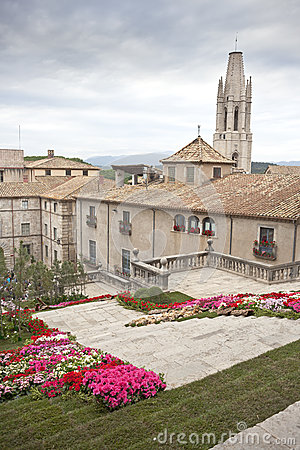 Flowers time in Girona