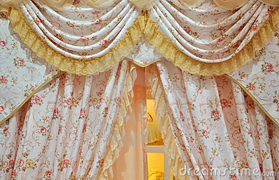 Flowery curtain