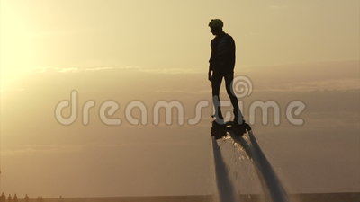 Flyboardingsfestival over de waterkant - in Augustus 2016, Sebastopol, de Krim stock video