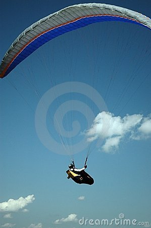 Flying a paraglide