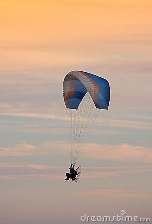 Flying - paragliding