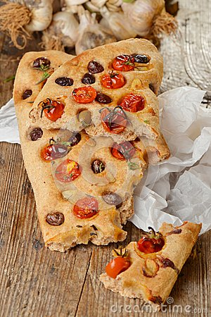 Free Focaccia With Tomato, Fresh Garlic Stock Photos - 37181193