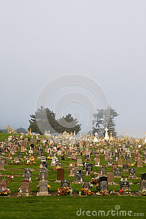 Free Foggy Cemetery Stock Images - 59533754