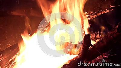 Fogo quente com madeira filme