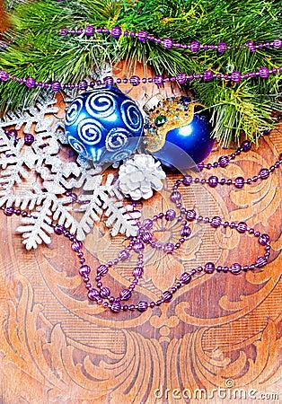 Fondo de madera del Año Nuevo con las decoraciones