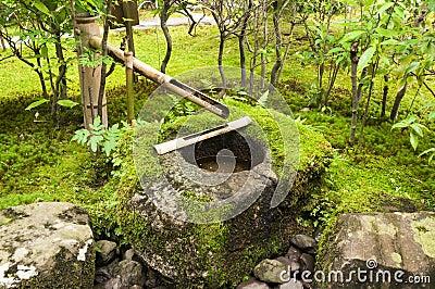 fontaine japonaise de bambou de l 39 eau photo stock image 41510780. Black Bedroom Furniture Sets. Home Design Ideas