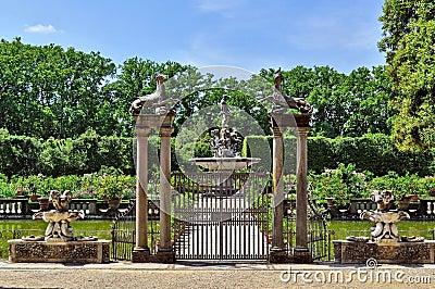 Fontana dei giardini di boboli fotografia stock immagine 64822466 - I giardini di boboli ...