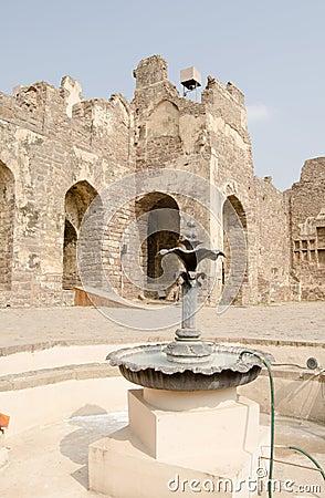 Fontana del cortile, fortificazione di Golcanda