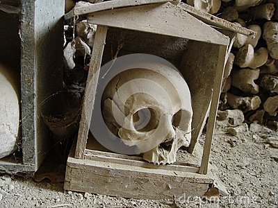 fontanelle-cemetery-naples-charnel-house