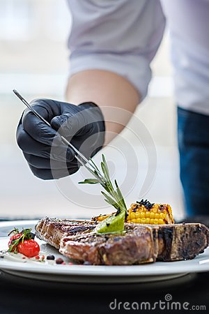 Free Food Stylist Work Decorating Meal Culinary Art Stock Images - 108331804