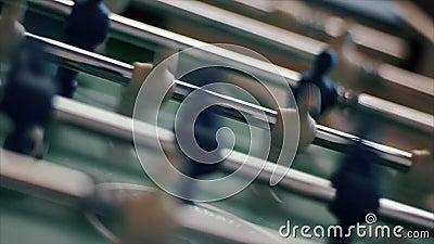 Football de table Blanc et bleu banque de vidéos