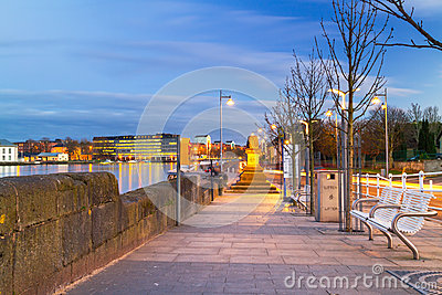 Footpath at Shannon river in Limerick city