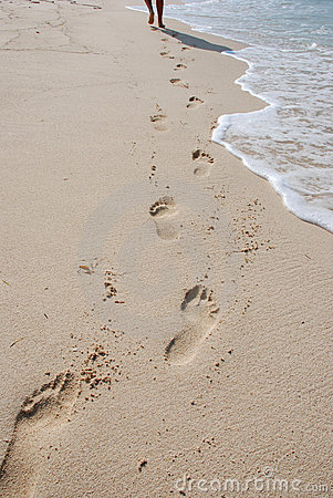 Free Footprints On Beach Royalty Free Stock Photography - 2414097