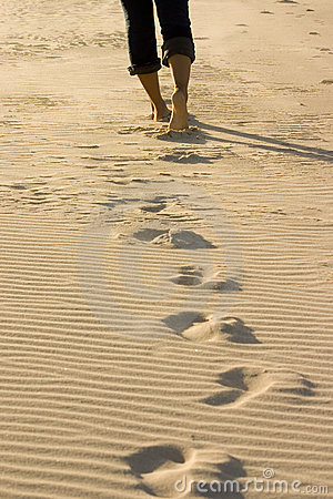 Free Footprints On The Beach Royalty Free Stock Photo - 141525