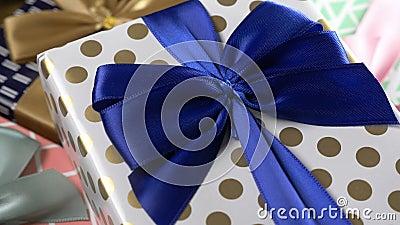 Forfait de cadeaux pour Noël banque de vidéos