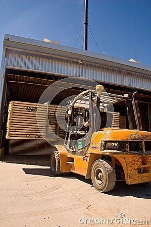 Forklift handling timber 2