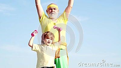 Formação de pais e crianças em conjunto Conceitos desportivos e de formação Nós exercitamos todos os dias Esporte para Crianças F filme