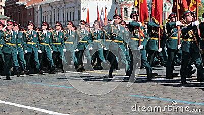 Formacja żołnierze na placu czerwonym