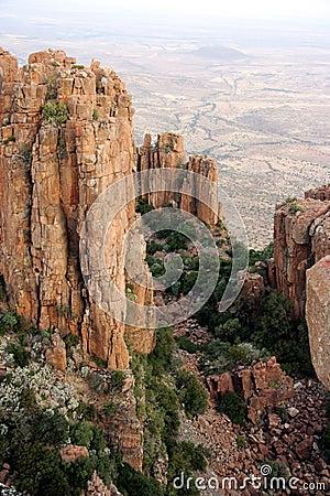 Formações de rocha em um vale