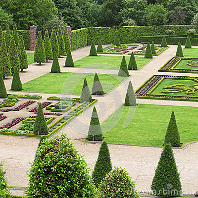 Free Formal Garden Stock Photo - 31705600
