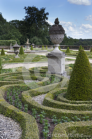 Free Formal Gardens Royalty Free Stock Photography - 41554997