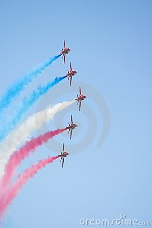 Free Formation Flight Red Arrows Royalty Free Stock Images - 337429