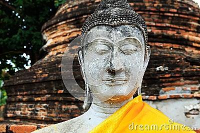 Forntida Buddha i Ayuthaya