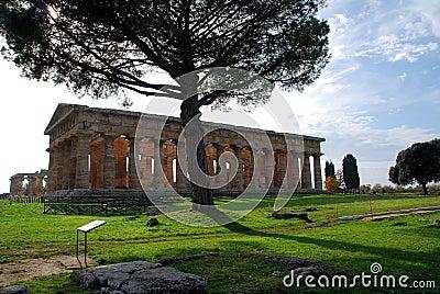 Forntida grekiskt tempel