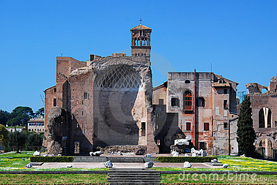 Foro romano (templo de Venus y de Roma)