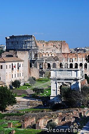 Foro romano y Colosseo en Roma