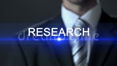 Forschung, Mann in der offiziellen Klage, die Knopf auf Schirm, Untersuchung, Überprüfung drückt stock footage