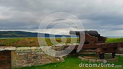 Fort George, †d'Inverness, Royaume-Uni «le 20 août 2017 : canon sur des murs du ` s de George de fort clips vidéos