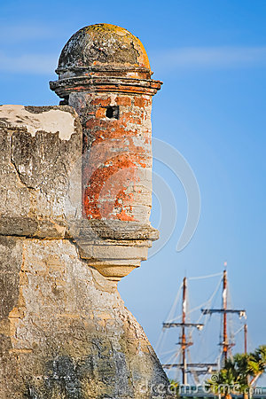 Free Fort With Sailing Ship Royalty Free Stock Images - 39816789