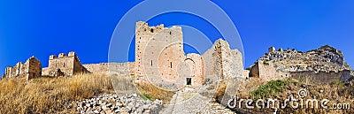Fortaleza vieja en Corinth, Grecia