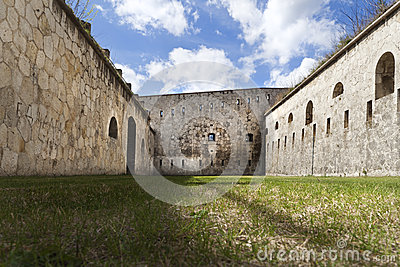 Fortification court