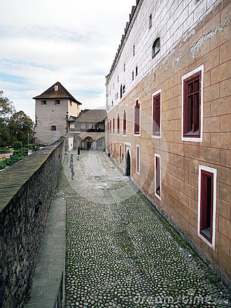 Free Fortification Wall Of Zvolen Castle, Slovakia Royalty Free Stock Image - 33648486