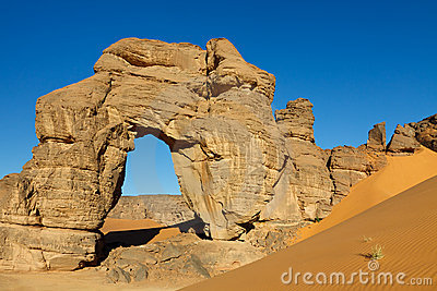 Forzhaga Natural Rock Arch - Akakus Mountains