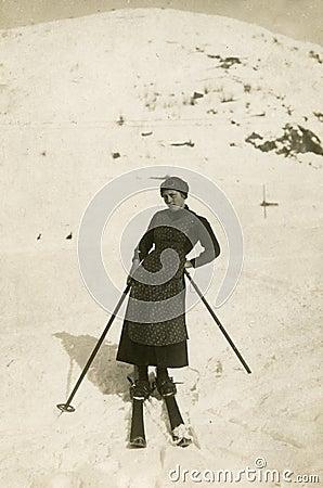 Foto antica di originale 1900 - sciatore