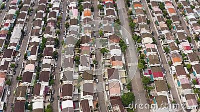 Fotos aéreas de casas residenciais. sunlight. Dia ensolarado filme