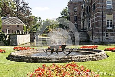 Fountain at castle Twickel