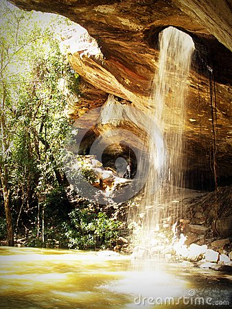 Fountain In Cave During Dayrtime Free Public Domain Cc0 Image