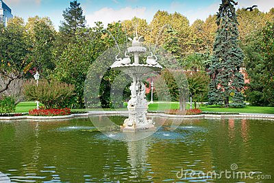 Fountain in the Dolmabahce palace (Istanbul