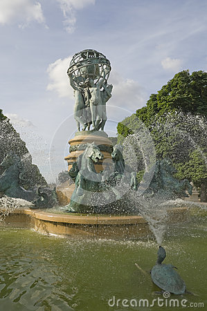 Fountain, Luxembourg Gardens